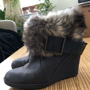 Nine & Co faux fur brown wedge booties